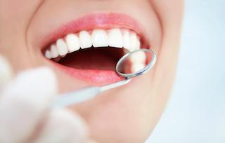 Covina Dentist Treats Gum Disease